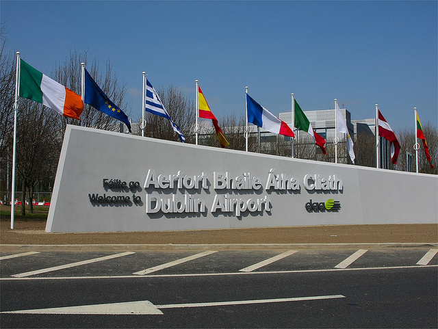 Dublin-airport-sign